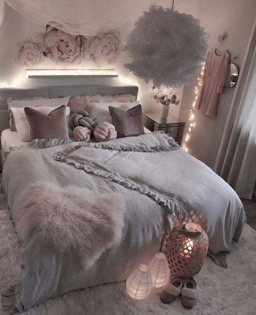 40 Pretty&Cozy Modern Bedroom Decoration Ideas for Girls - Page 3 of 8 - Vivelavi Blog