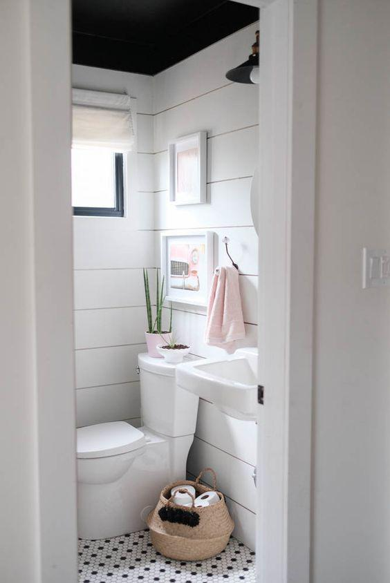35 Practical Apartment Bathroom Decor Ideas for Young People - Page 5 of 7 - Vivelavi Blog
