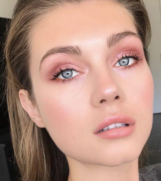 32 Gorgeous Rose Gold Makeup Ideas That Make You Glow! - Page 4 of 32 - GetbestIdea