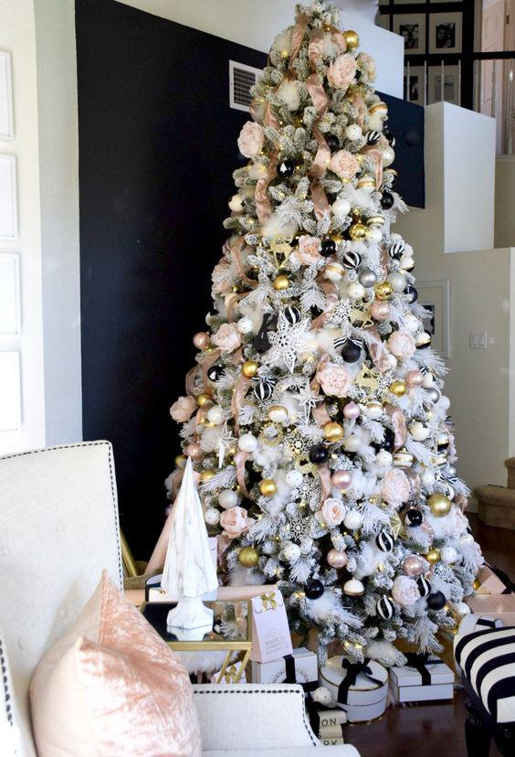 36 Rose and Gold Christmas Tree Decorating Ideas 2018 - Page 34 of 36 - Kornelia Beauty