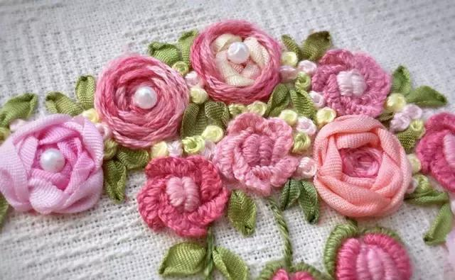 Beautiful Rose Embroidery - VimTopic