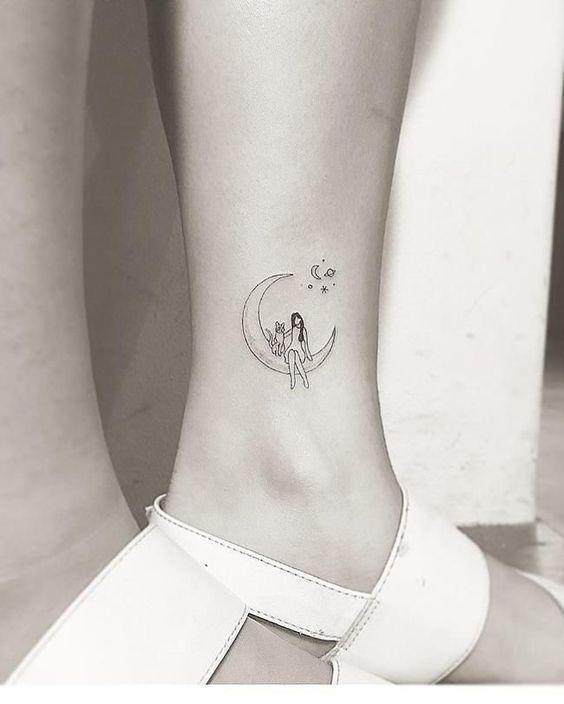 35 Gorgeous Moon Tattoo Designs That You Never Want To Miss! - Page 21 of 35 - GetbestIdea