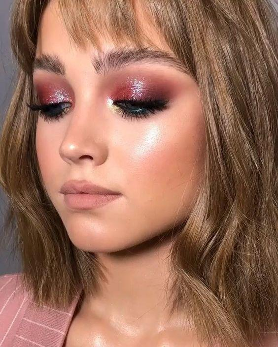 32 Gorgeous Rose Gold Makeup Ideas That Make You Glow! - Page 12 of 32 - GetbestIdea