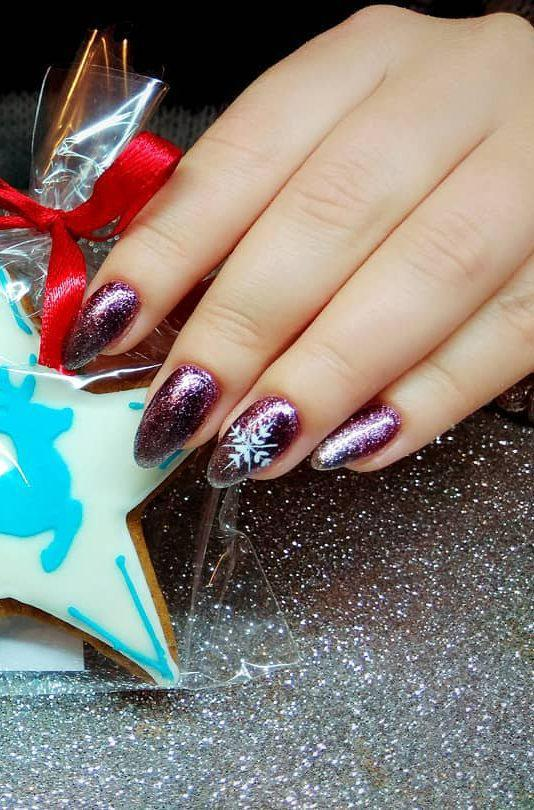 Feast and Bright Nail Art Ideas for Christmas #nail #manicure
