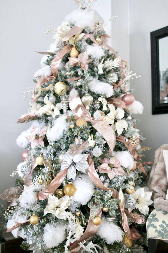 36 Rose and Gold Christmas Tree Decorating Ideas 2018 - Page 7 of 36 - Kornelia Beauty
