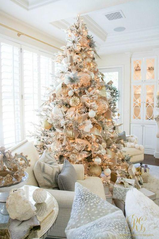 36 Rose and Gold Christmas Tree Decorating Ideas 2018 - Page 19 of 36 - Kornelia Beauty