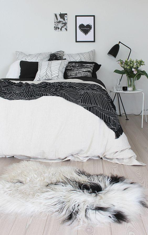 35 Inspiring Black and White Master Bedroom Color Ideas - Page 28 of 35 - VimDecor