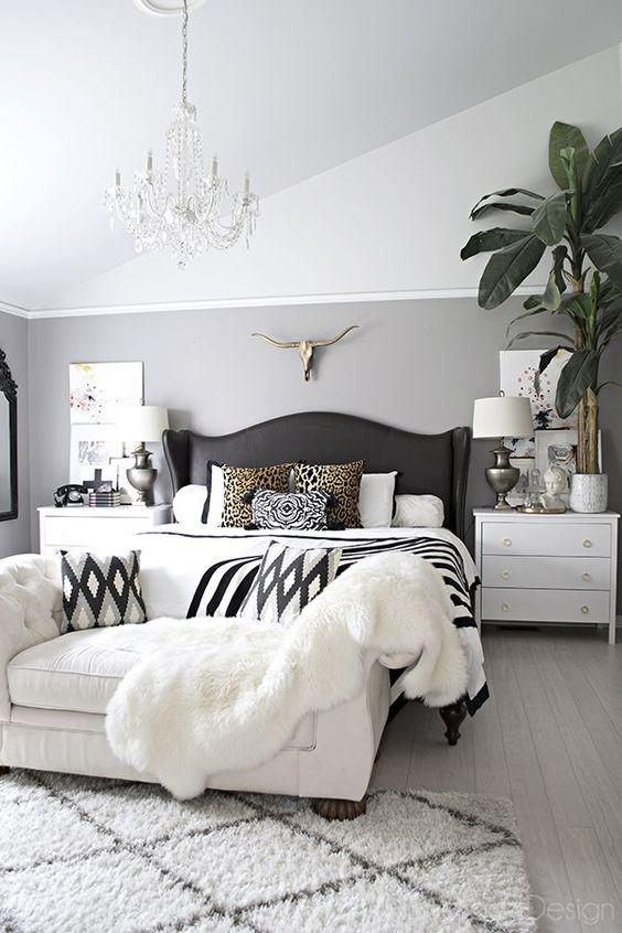 35 Inspiring Black and White Master Bedroom Color Ideas - Page 24 of 35 - VimDecor