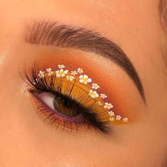 39 CREATIVE AND CHARMING EYE MAKEUP AT PARTIES AND HOLIDAYS - Page 20 of 39 - yeslip