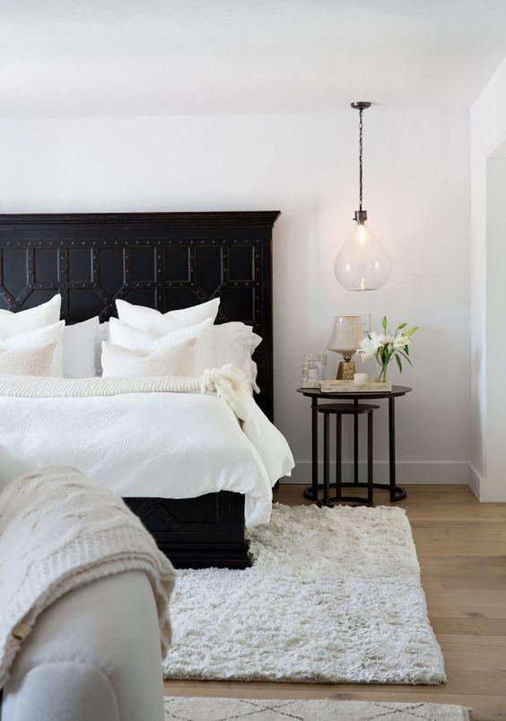 35 Inspiring Black and White Master Bedroom Color Ideas - Page 20 of 35 - VimDecor
