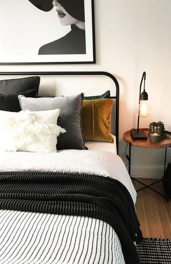 35 Inspiring Black and White Master Bedroom Color Ideas - Page 14 of 35 - VimDecor