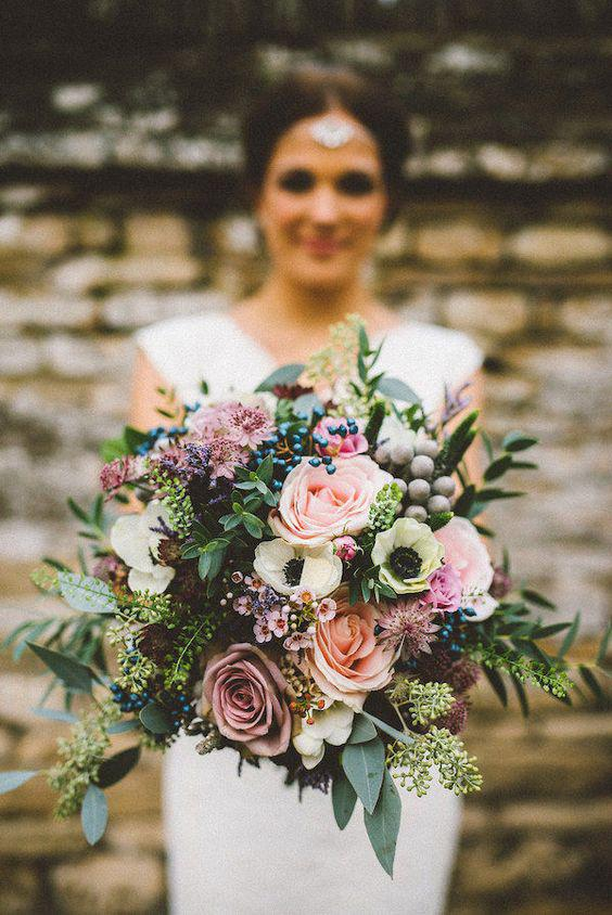 57 ATTRACTIVE BRIDES BOUQUETS HAVE ALWAYS PASSED HAPPINESS - Page 42 of 57 - yeslip