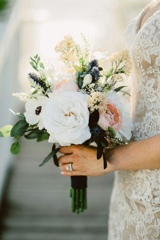 57 ATTRACTIVE BRIDES BOUQUETS HAVE ALWAYS PASSED HAPPINESS - Page 21 of 57 - yeslip