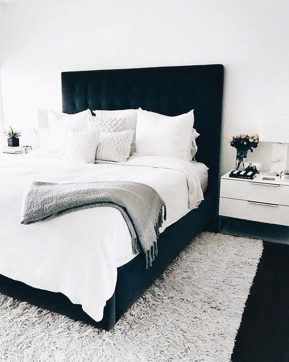 35 Inspiring Black and White Master Bedroom Color Ideas - Page 12 of 35 - VimDecor
