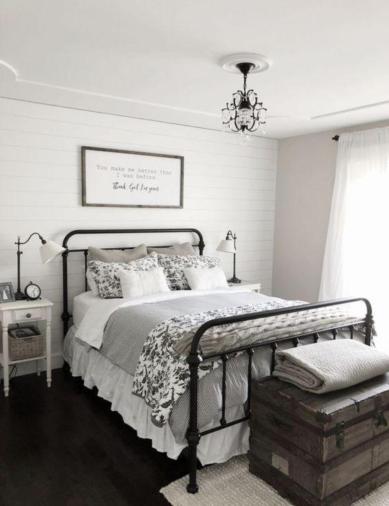 35 Inspiring Black and White Master Bedroom Color Ideas - Page 34 of 35 - VimDecor