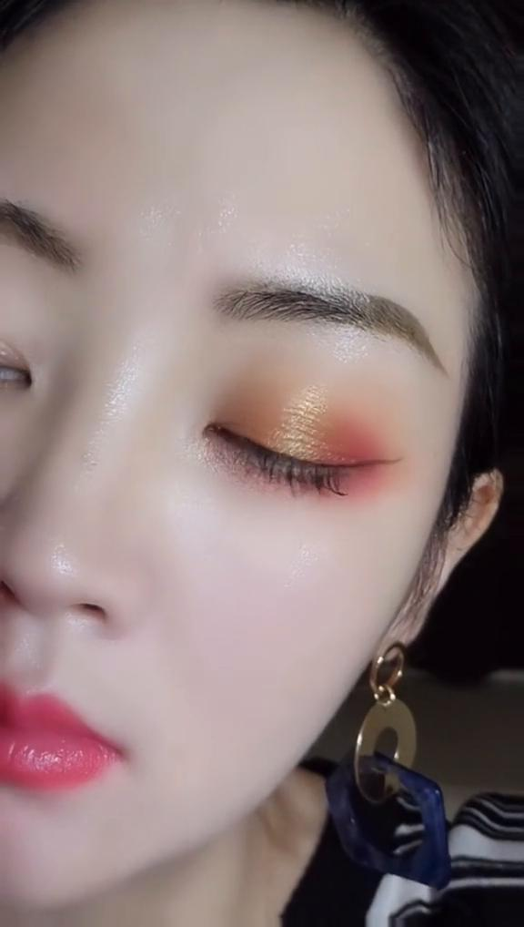 20+ Pink Eye Makeup Looks for 2020 - Molitsy Blog