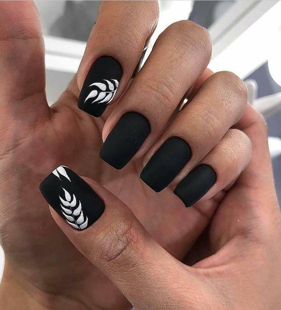 ELEGANT BLACK AND WHITE SHORT NAILS DESIGN IDEAS EXCEPTIONAL LOOK 2020 - Molitsy Blog