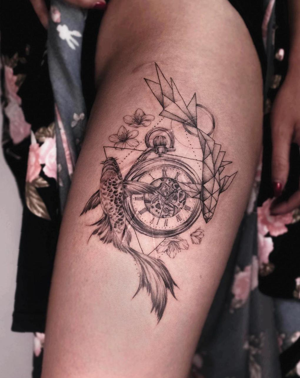 38 Mind-Blowing Thigh Tattoos Designs For Women 2020 - Molitsy Blog