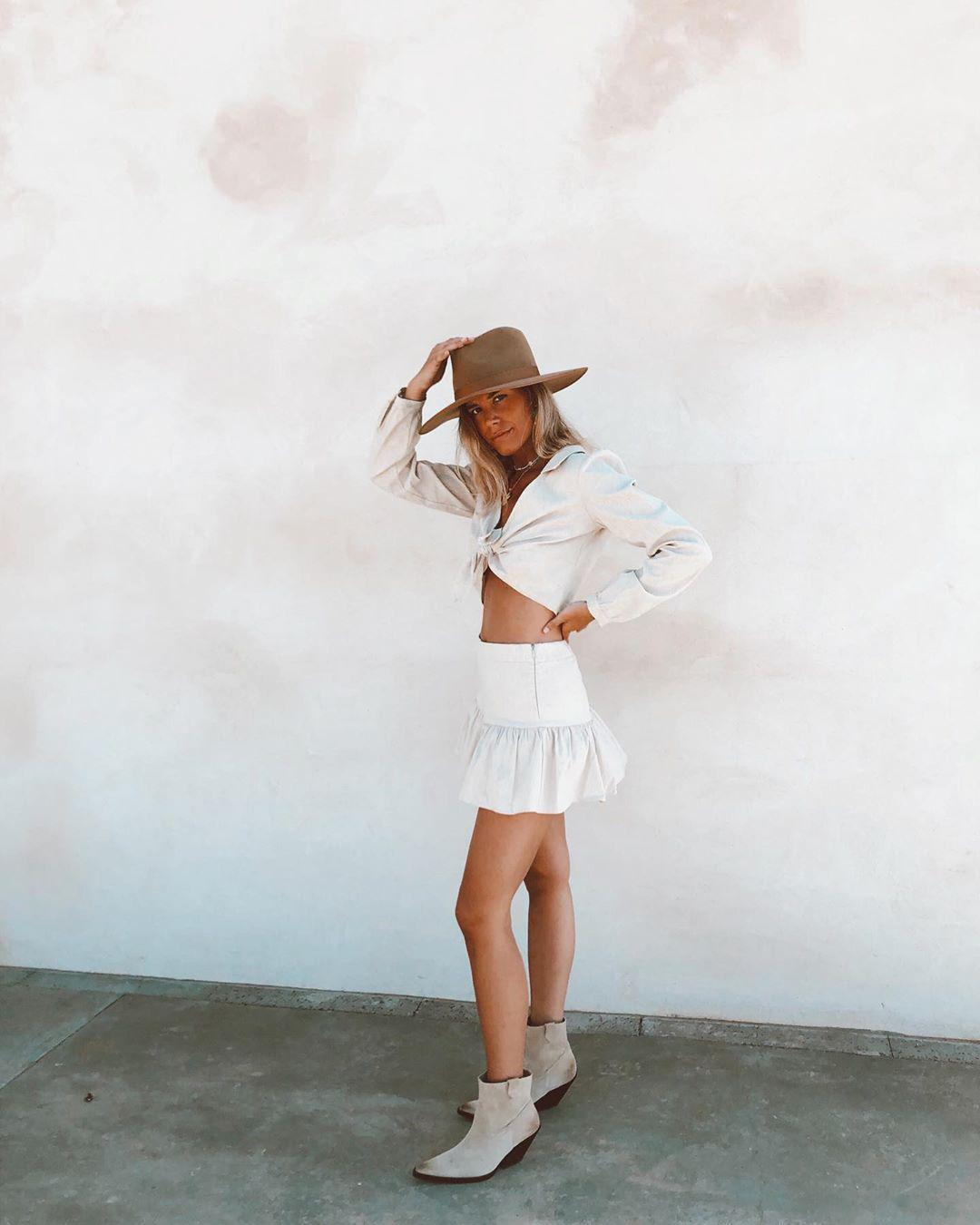 Gorgeous Summer Outfit Ideas to Copy This Year - Molitsy Blog
