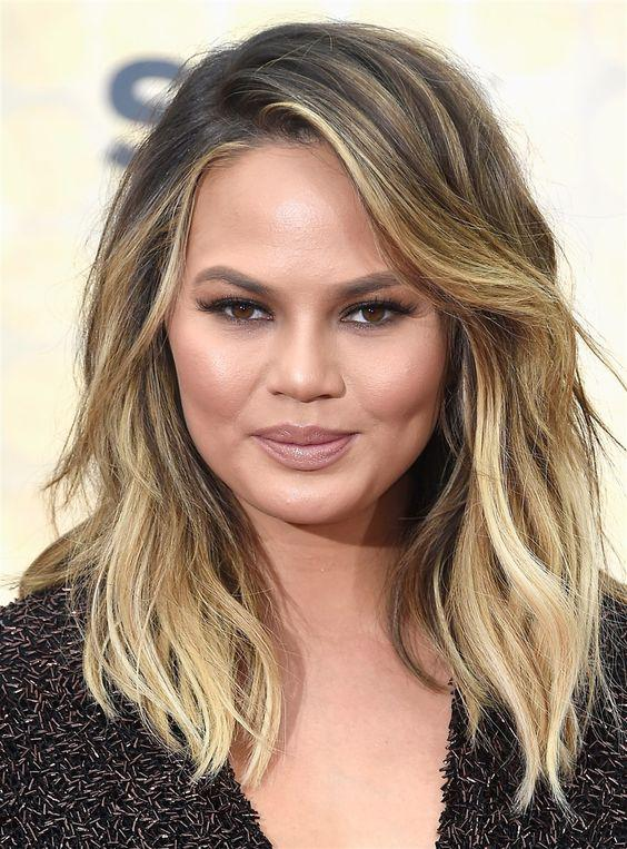 25 Most Flattering Haircuts for Round Faces - Molitsy Blog