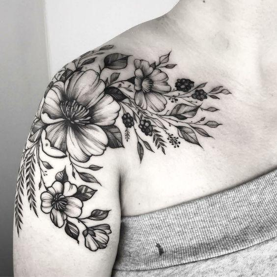 35+ Most Beautiful Shoulder Tattoos for Women - Page 5 of 42 - VimTopic